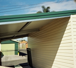 smallPictureof garages 056